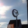 モデルハウスがあった。風力発電機だろうか?夜眠る時騒音とか気にならないのかな…逆光はすんません。