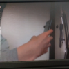 Raspberry Piのデスクトップにraspistillコマンドで表示させたこの画像を撮影しようとしているところ。